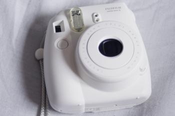 Polaroid Camera | Fujifilm Instax Mini 8 Review