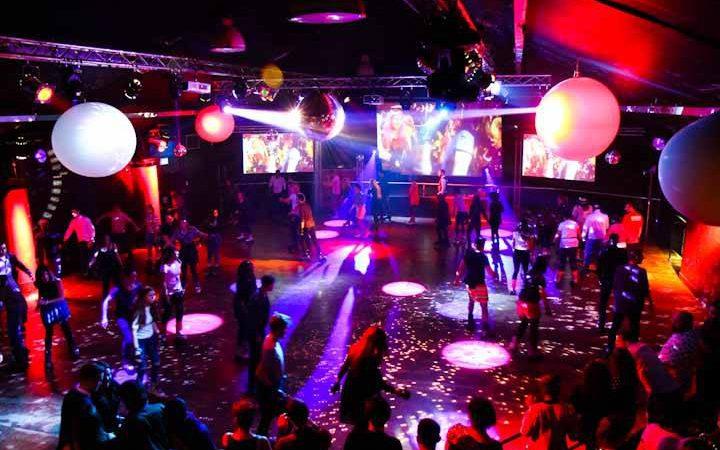 Roller Disco @ Renaissance Rooms