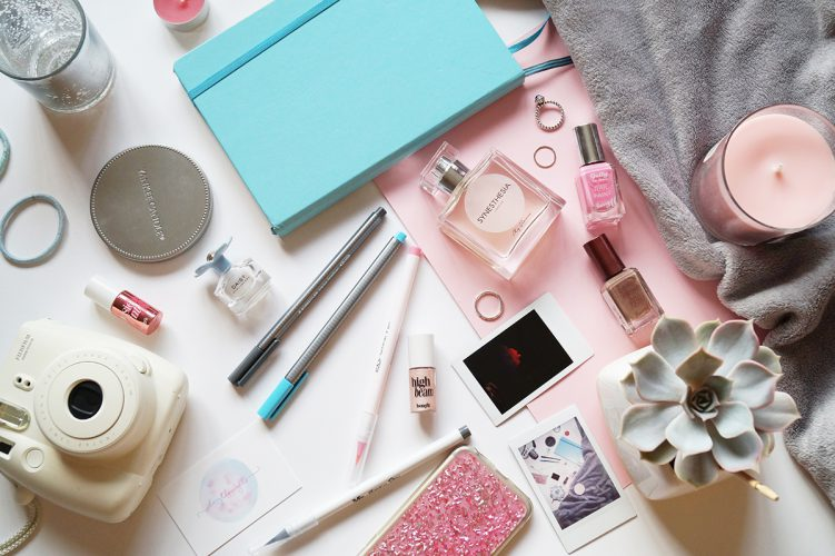 Must-have props for flat lays